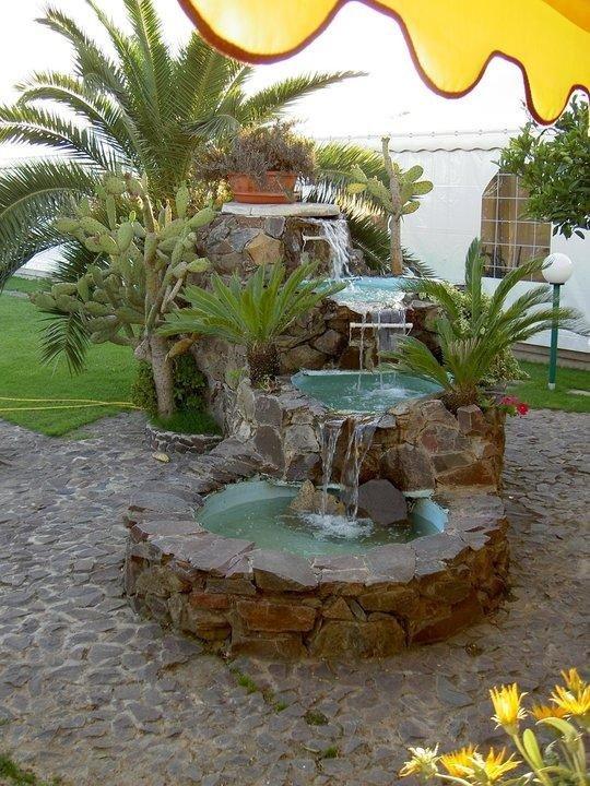 Ampio giardino ombreggiato