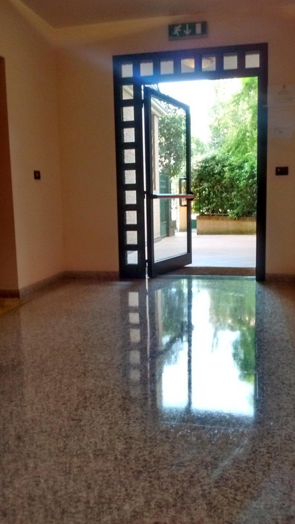pulizia pavimenti in granito