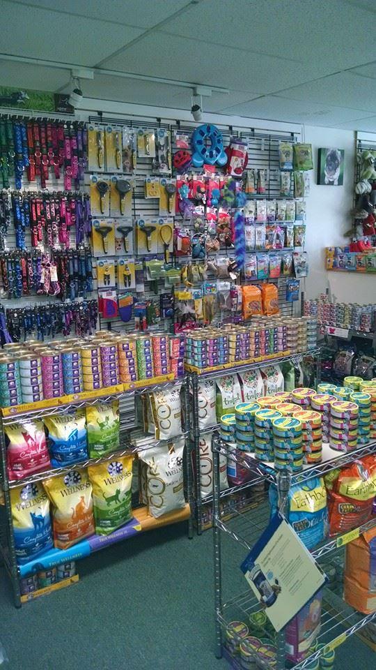 pet food store kennebunk \u0026 wells, me reigning cats \u0026 dogspet food store wells, me