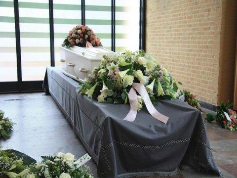 Allestimenti floreali per cerimonie funebri