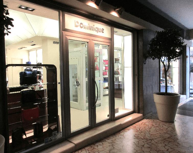 negozio visto di notte