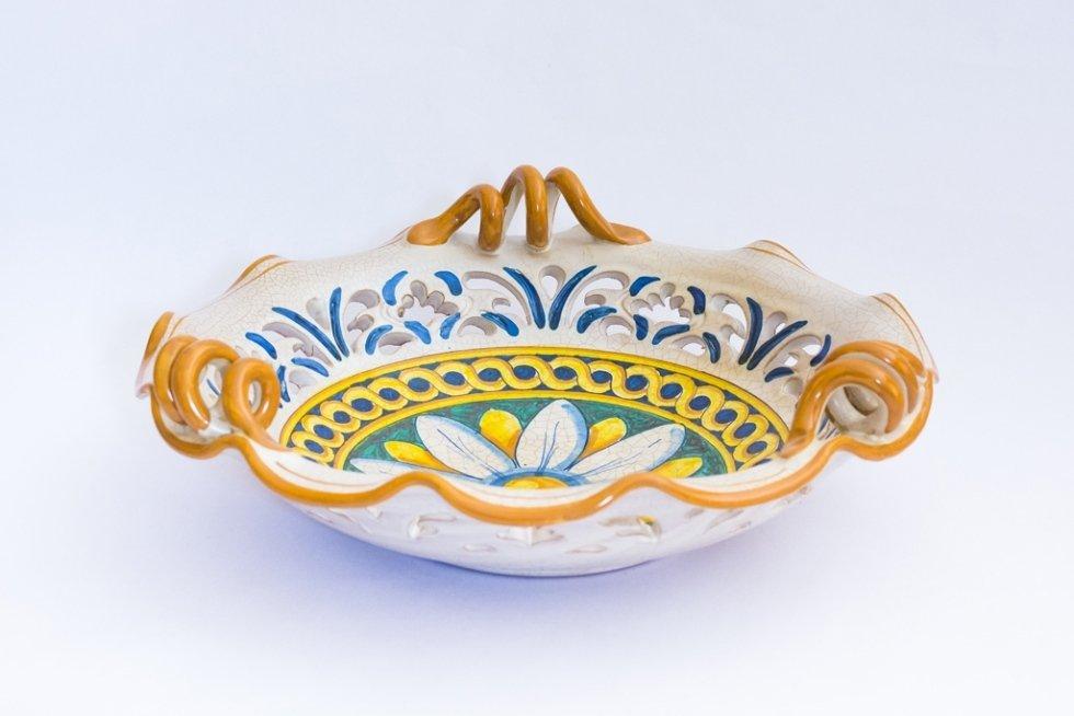 piatti in ceramica traforata