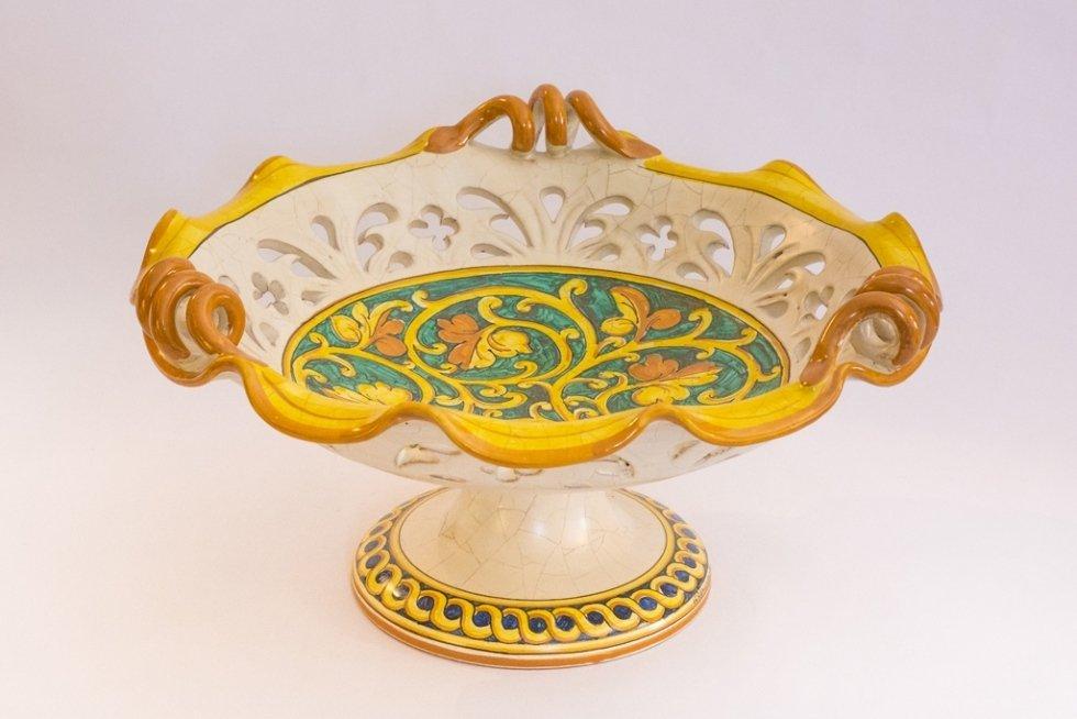 alzata in ceramica traforata