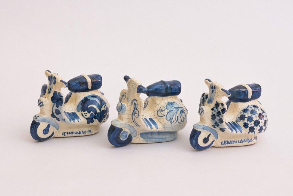 Moto in ceramica