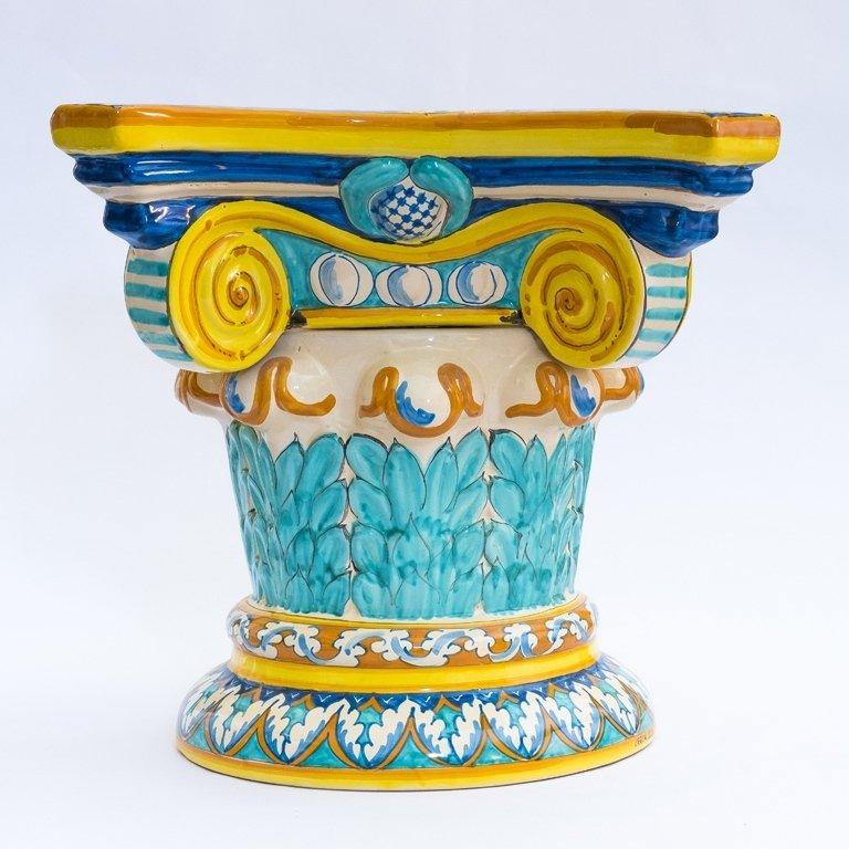 Capitello in ceramica