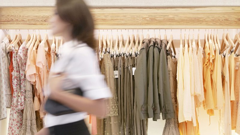 Why retailers should use video to market their products online