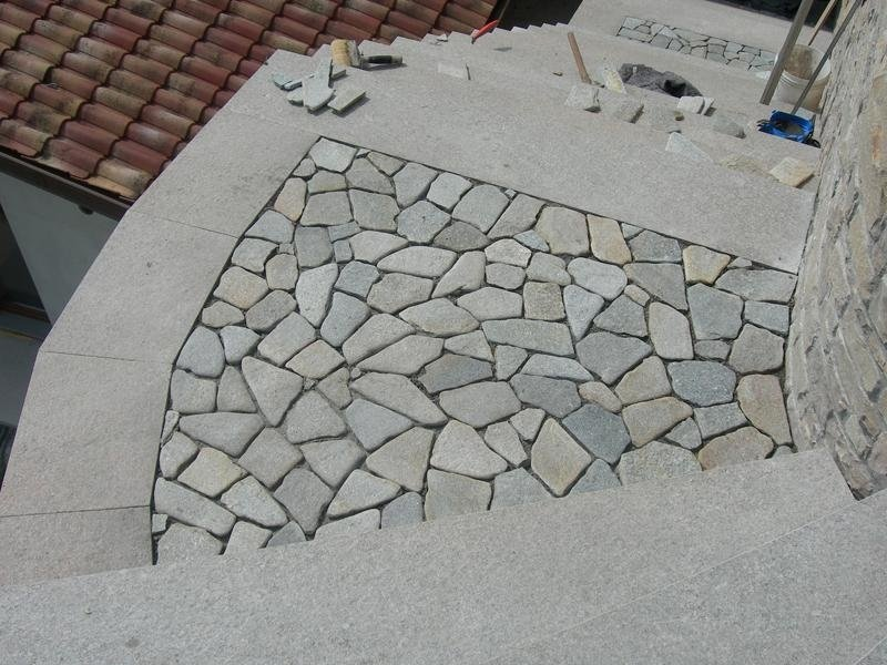 Smaller crazy paving