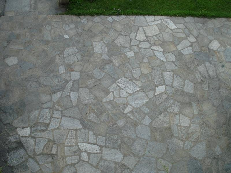 Mixed grey crazy paving