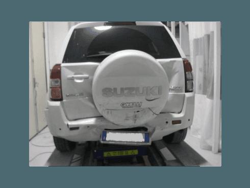 La carrozzeria gestisce il ripristino della scocca anche di fuoristrada e furgoni.