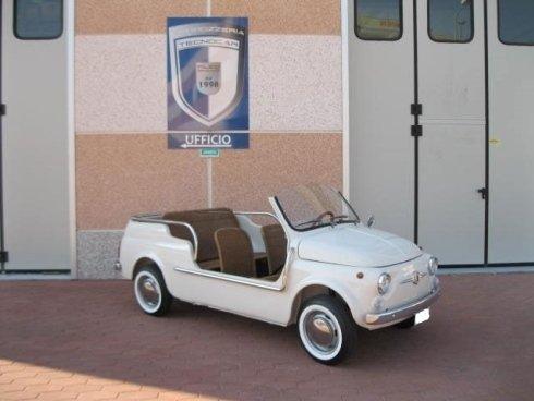 Le auto storiche vengono riportate allo splendore originario con interventi mirati e precisi.