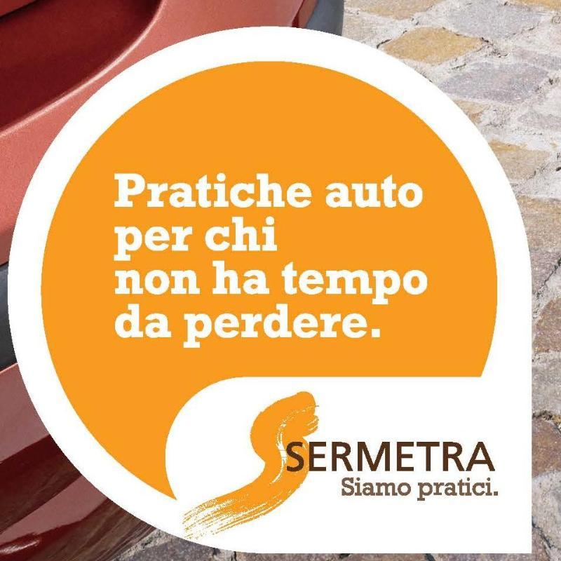 logo con scritto pratiche auto per chi non ha tempo da perdere Sermetra Siamo Pratici