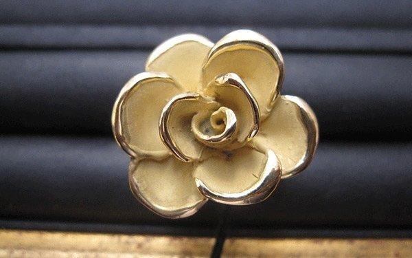 rif. A135 - anello con fiore dorato
