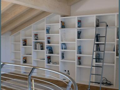 Portoncini e scale in legno Treviso - Istrana (TV) - Falegnameria ...