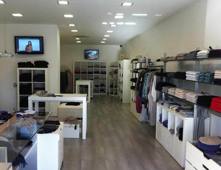 MAGLIFICIO TOMAS OUTLET FERMO