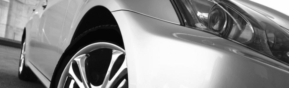 vista laterale di una macchina