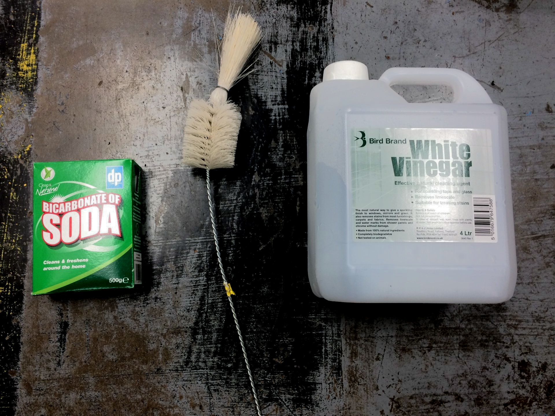 One Thing White Vinegar Is Exceptionally Good At Cleaning Up Rust For Example This Fuel Tank From A Yamaha Chy Lb80 1981
