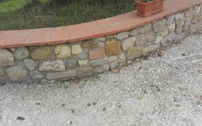 Muretti giardini in pietra