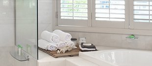 Image of a clean, bright bathroom