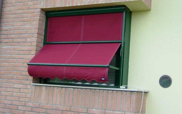 tende a caduta finestra