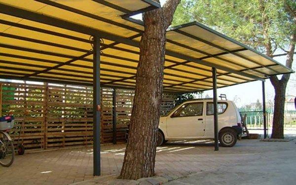 strutture a telo fisso parcheggio