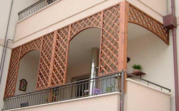 pannelli grigliati balcone