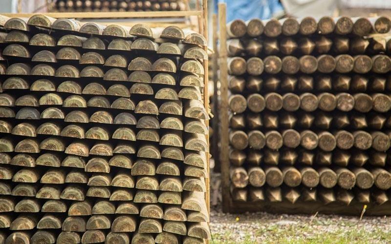 Commercio pali in legno