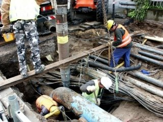 Trivellazioni con escavatore a risucchio