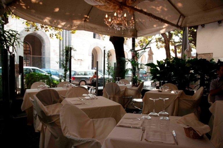 Veranda for summer dining