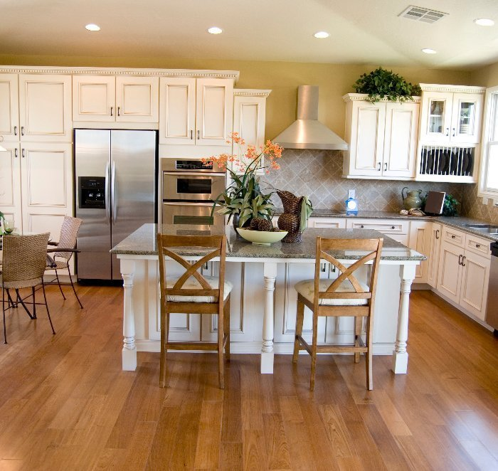 Home Hardwood Floor Refinishing Service Lyndhurst Oh Renew Flooring