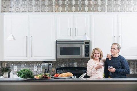 Sei stanco del colore della tua vecchia cucina? Cambialo!