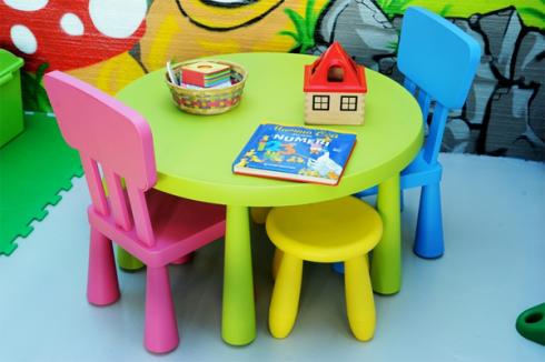 Tavolino per attivita ludiche