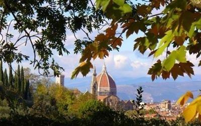 il duomo di Firenze visto in lontananza