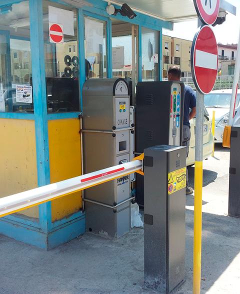 automatismi per sbarre e parcheggi