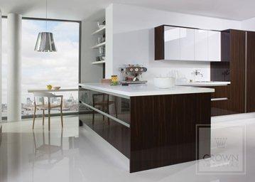 Furore kitchen in gloss black and white