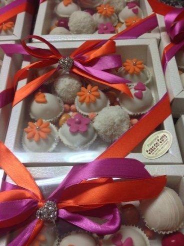 dolcetti in pacchetti a marchio Casa del Caffe`