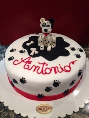 torta con rappresentazione di un cane dalmata per Antonio