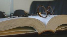 Libri e avvocati, qualità, penali, cause, contestazioni, contratti