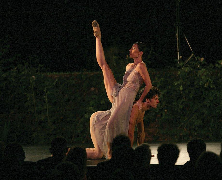 Mara Galeazzi dancing at Hatch House Wiltshire 2015