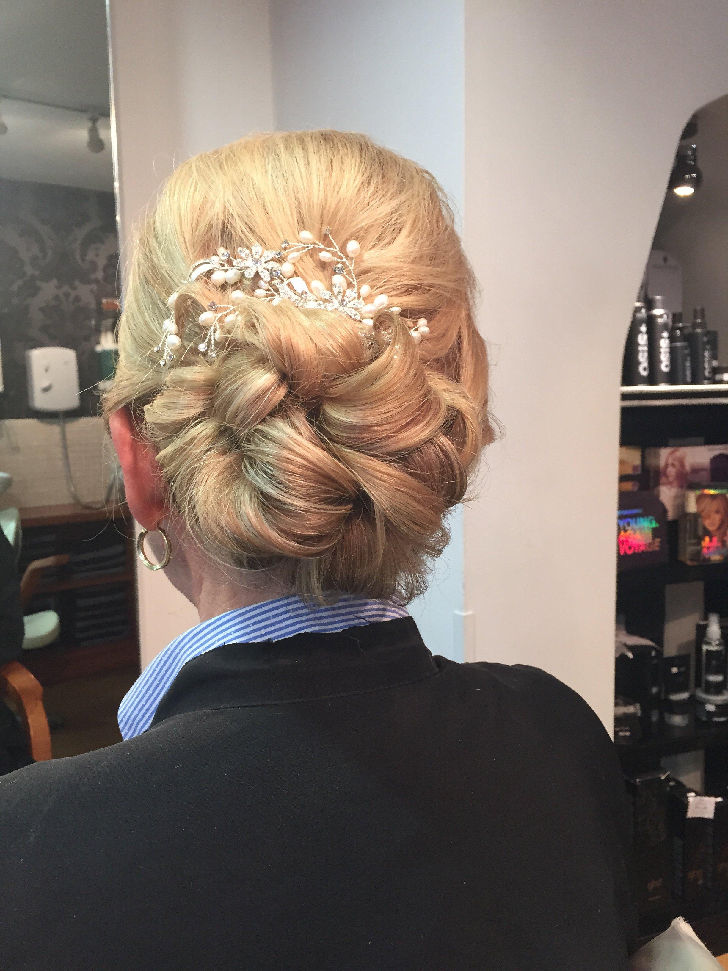 Prom dressed hair