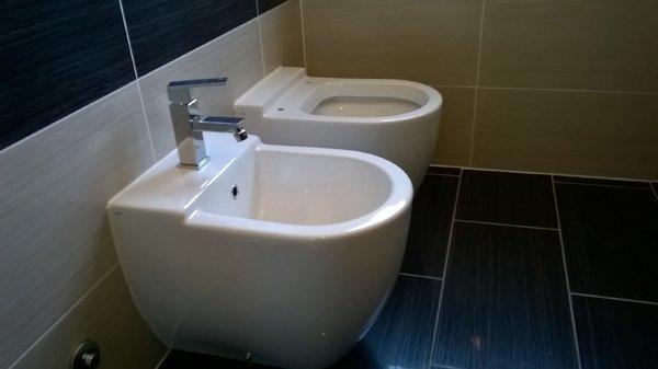 Lavandino di un bagno a Ravenna