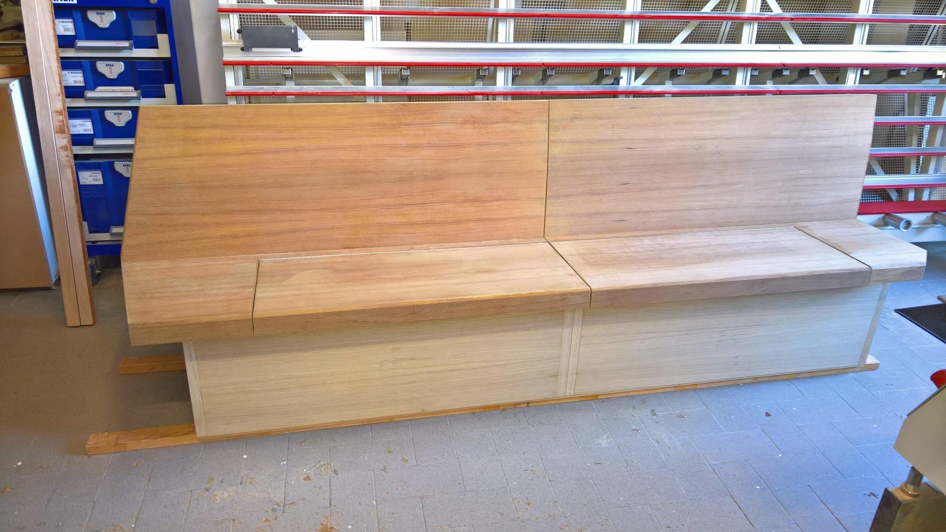 cassapanca in legno su misura