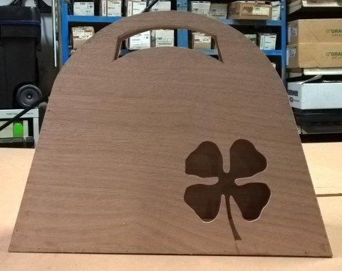 borsa in legno decorata