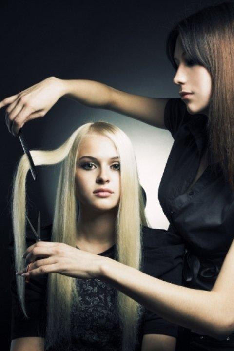 stirare capelli, permanente, tagli di capelli