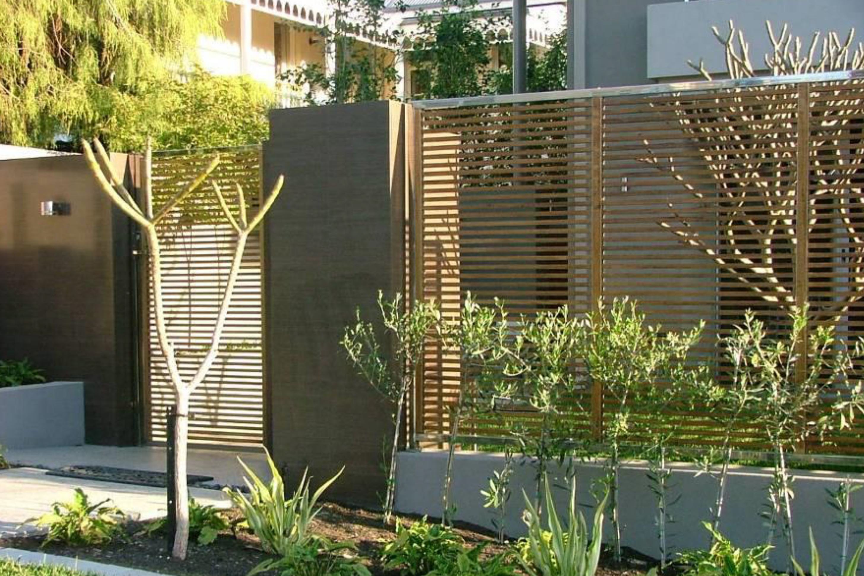 Aliquantum Stainless Steel Screens, Perth