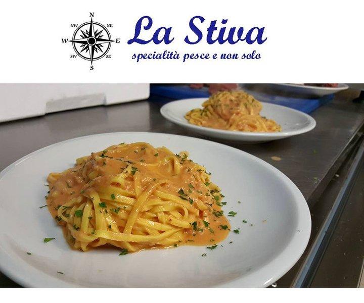 spaghetti al sugo di pesce presso LA STIVA