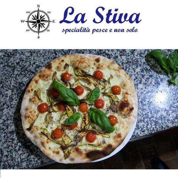 pizza presso LA STIVA