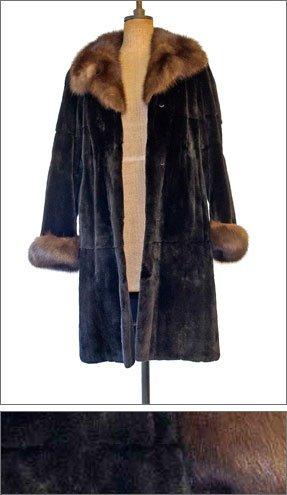 coat with fur trims