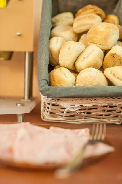 cesta con pane
