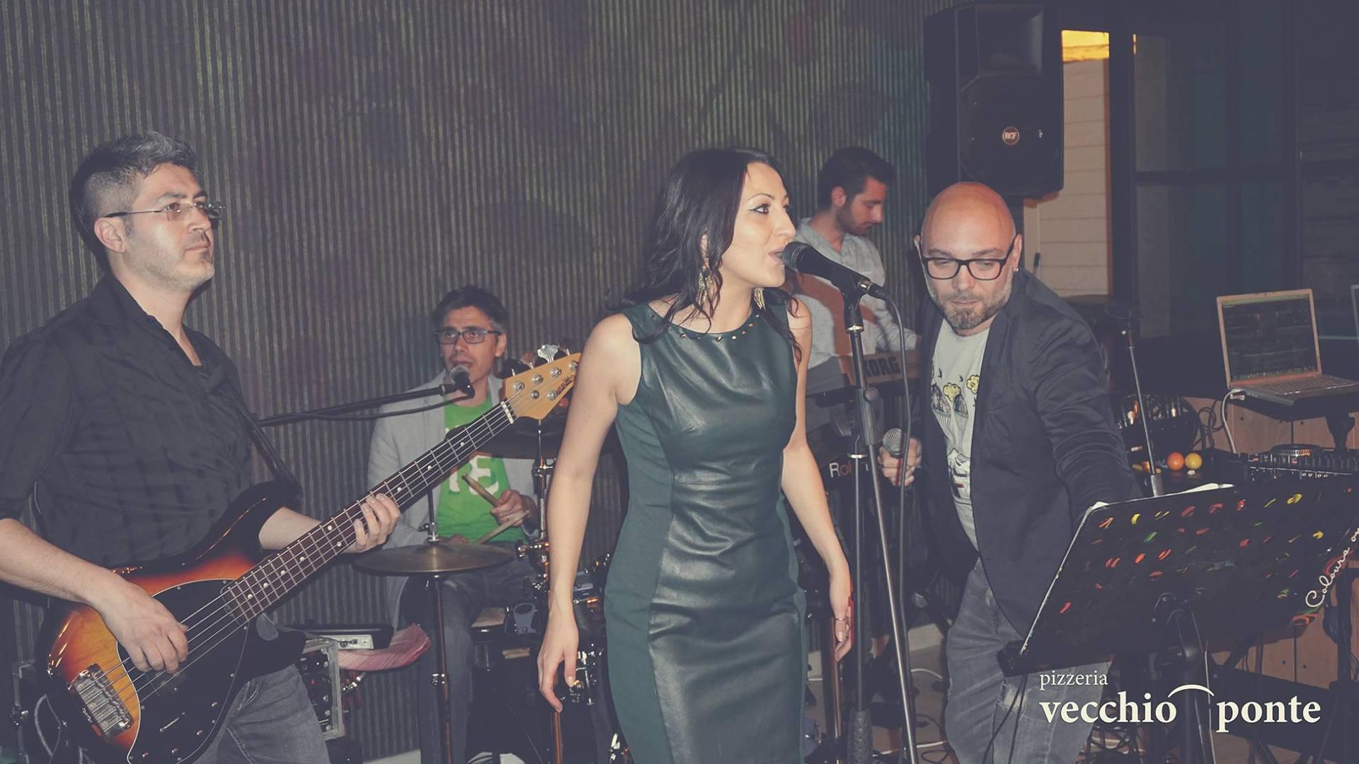 donna che canta