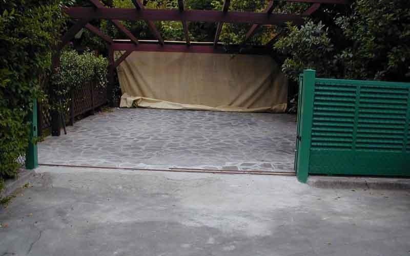 cancello particolare verde